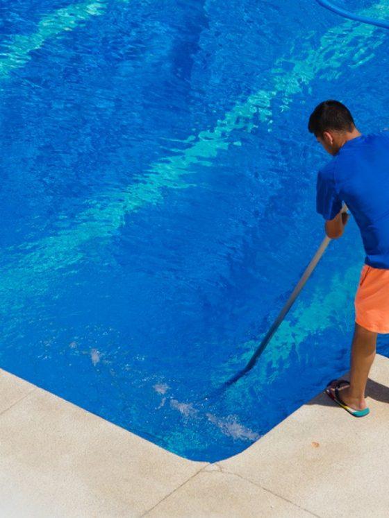 Swimming pool maintenance dubai