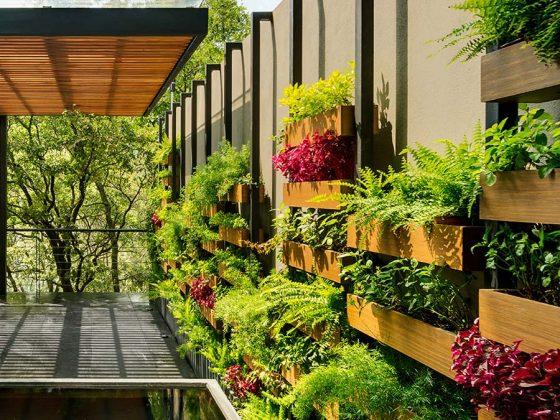 vertical-garden-dubai